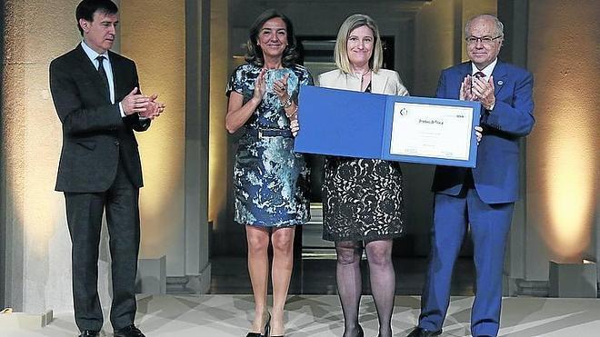 Premian a Susana Marcos por su investigación contra la presbicia
