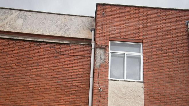 El rayo caído deja al colegio San Gil de Cuéllar sin servicio de teléfono e Internet