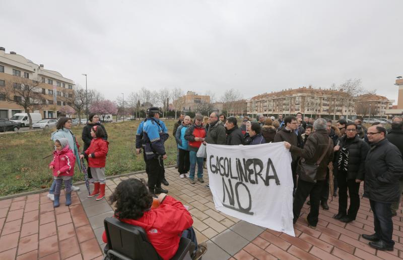 Los dueños de la gasolinera de Parque Alameda recurren ante los tribunales