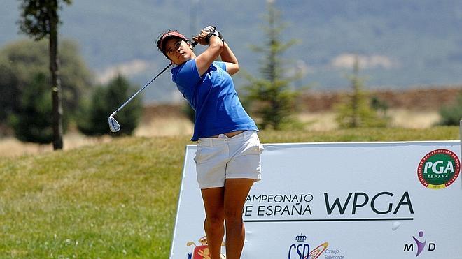 María Palacios conquista con emoción el campeonato WPGA en La Faisanera