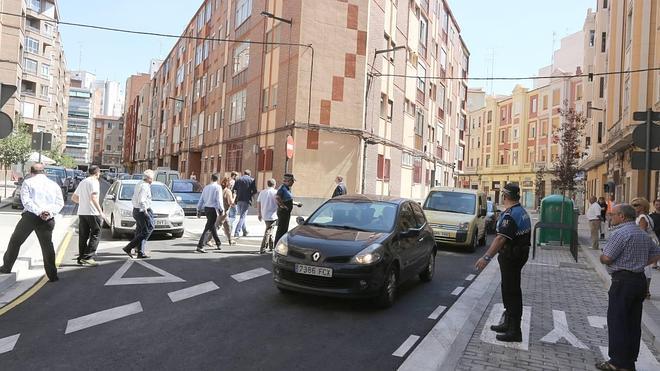 La calle Nicolás Salmerón está ya abierta al tráfico siete meses después