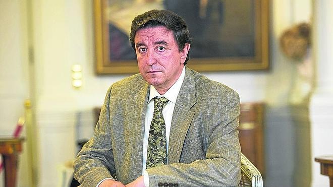 «La figura de Santa Teresa es populista y seductora, hoy sería empresaria»