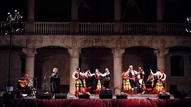 'Vienen los Segadores' pone música y baile a la recuperación de las tradiciones rurales