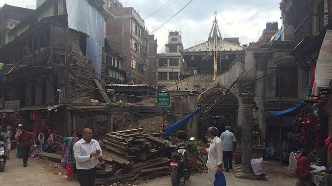 Un vallisoletano recauda medicinas y ropa para las víctimas de Nepal