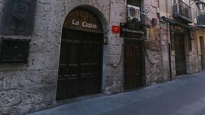 Adiós a La Cueva por la ruina del edificio de la calle Correos
