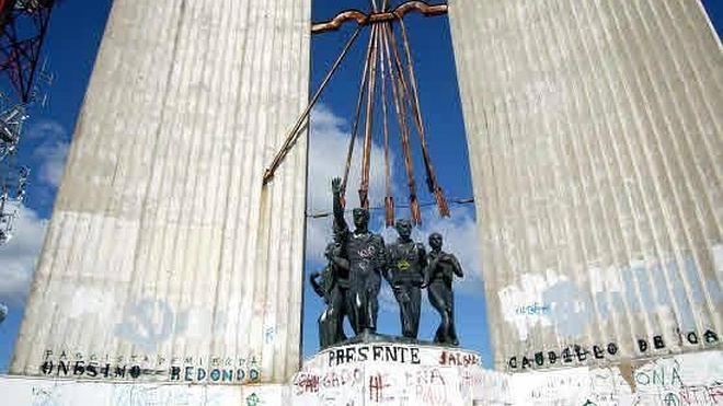 Industria reiniciará las gestiones necesarias para el derribo del monumento a Onésimo Redondo