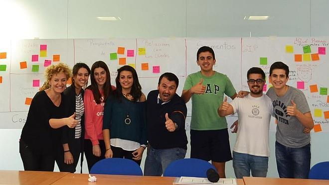 M-M Coaching Business School visita los equipos de STARTinnova del Liceo Francés de Castilla y León