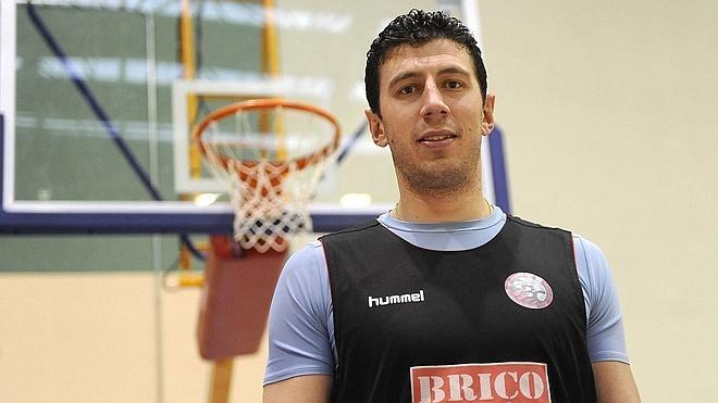 Sergio de la Fuente será operado este miércoles de la rodilla en Madrid