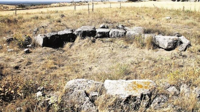 El PSOE hace un llamamiento para proteger la tumba megalítica Los Zumacales, en Simancas