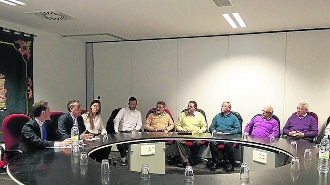 Mena llama a la tranquilidad a los alcaldes en el tema taurino