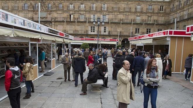 Colinas, Javier Reverte, Manuel Rivas y Julio Llamazares desfilarán por la Feria del Libro