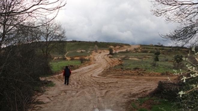 Más de 300 firmas exigen «caminos, y no autopistas» en el Parque Sierra de Guadarrama
