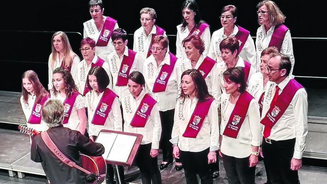 Más de 150 alumnos de 'Aulas para convivir cantando' se reúnen en Martín Muñoz de las Posadas