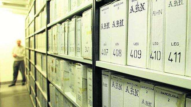 La Generalitat restituye los documentos de la Guerra Civil a otros 50 propietarios