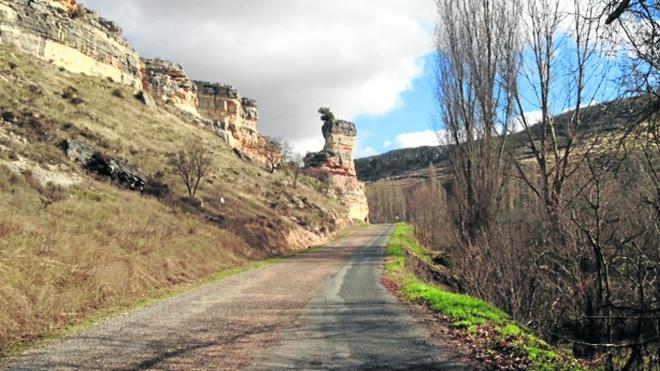 Las obras obligan a cortes de tráfico en la vía de Carrascal a Valle de Tabladillo