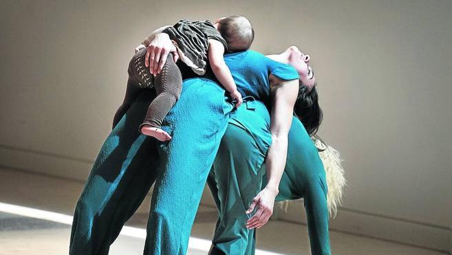 Nuria Sotelo convierte en danza el amor maternal en el FETAL