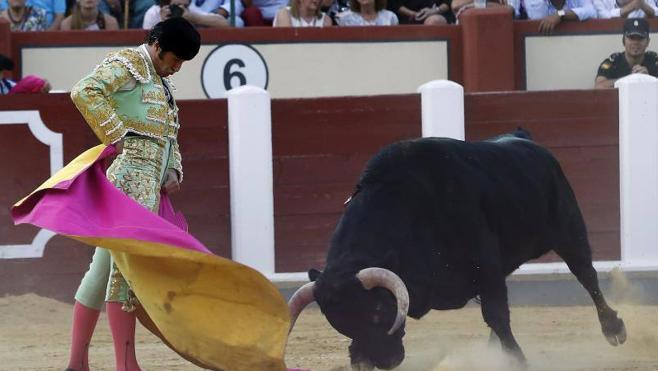La blandura e invalidez de los toros deslucen el festejo en Valladolid