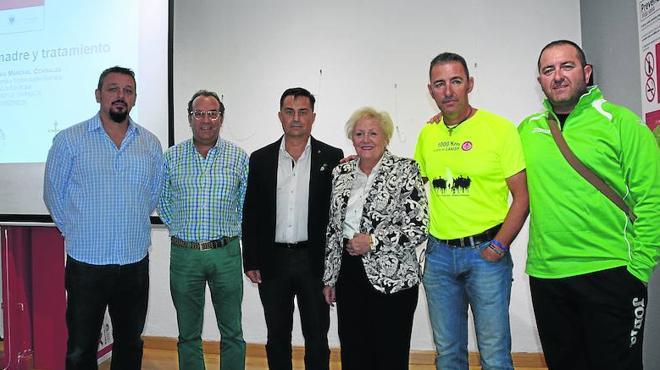La lucha contra el cáncer une fuerzas en un acto en el Casino de Béjar