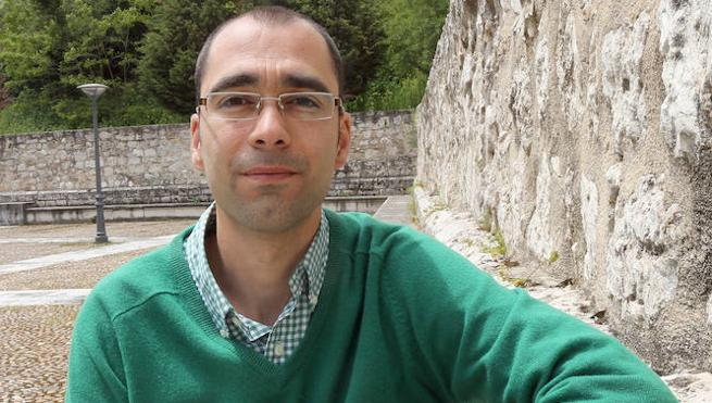 El palentino Jacob Iglesias publica el poemario 'No todas hieren', una «epopeya sin héroe»