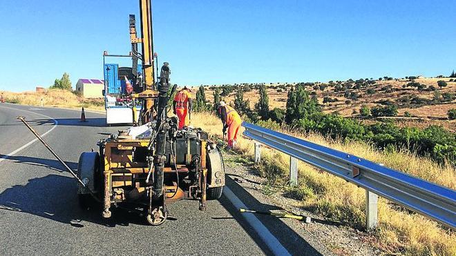 Destinan 44.976 euros a la instalación de barreras de seguridad en varias carreteras