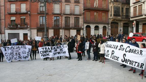 Concentración de este domingo, en la Plaza Mayor de Cuéllar. /