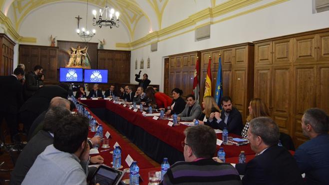Las Cortes Regionales reúnen a los portavoces de Castilla y León en Ávila