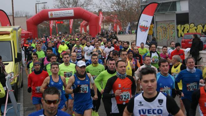 Casi 800 atletas participan en la XX Carrera del Turrón de Arroyo