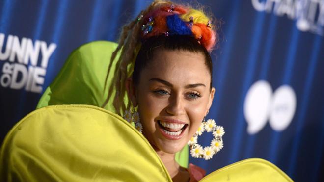 Miley Cyrus deja las bebidas y la marihuana para grabar su nuevo disco
