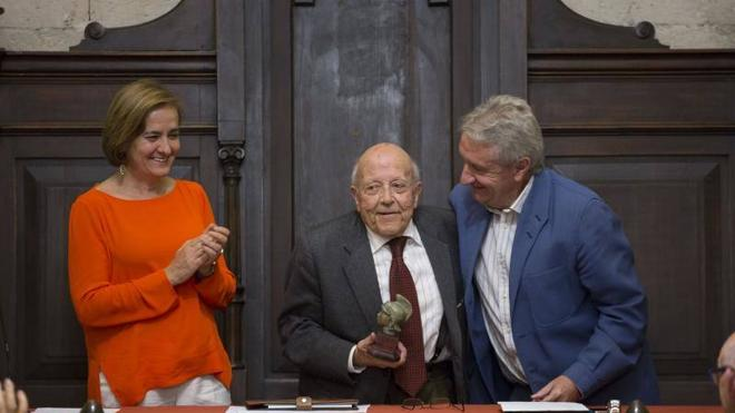 Jiménez Lozano y el oficio de contar